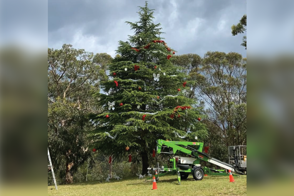 Style your Christmas tree with a cherry picker