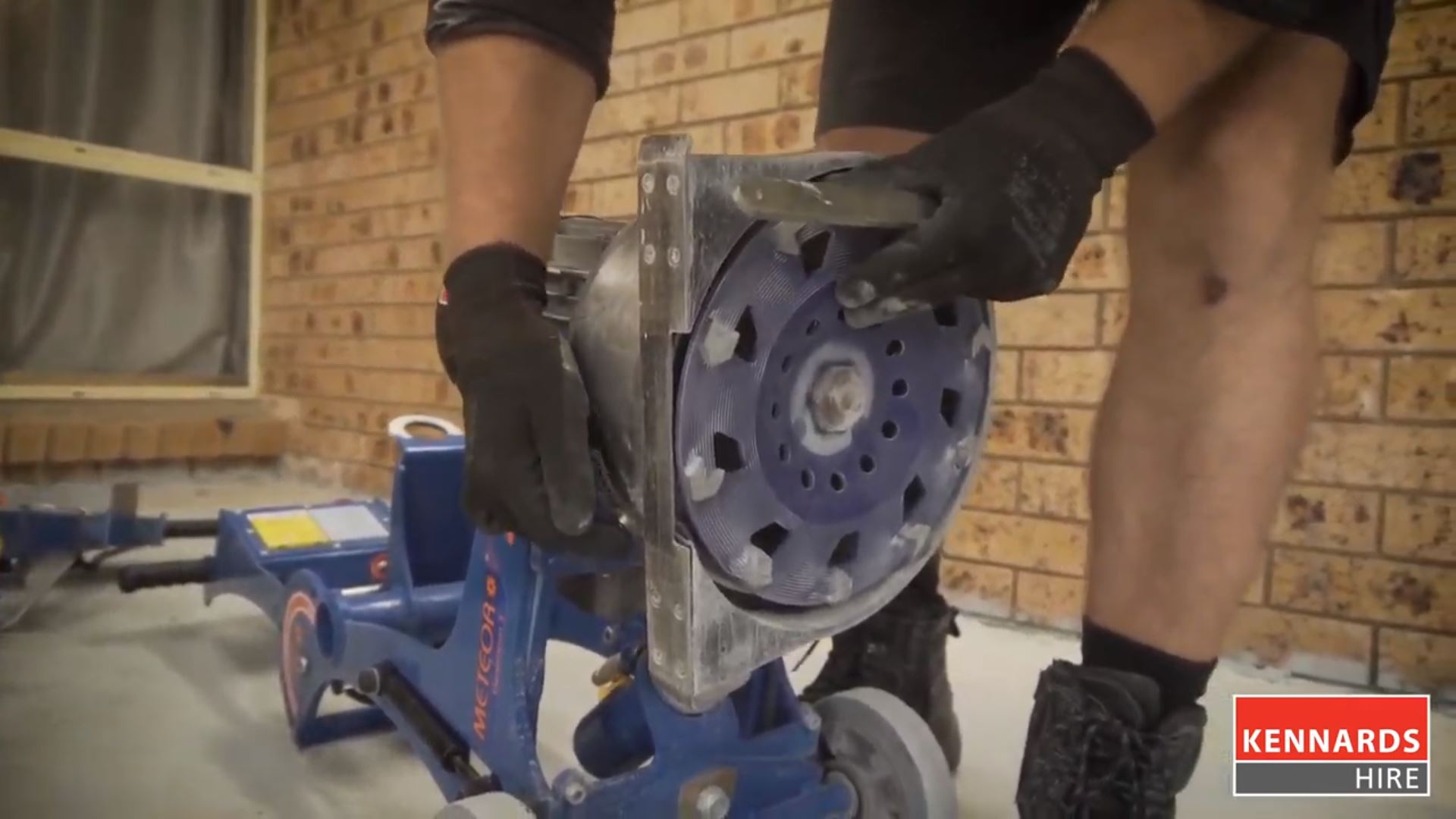 How to Replace Discs on a Concrete Edger