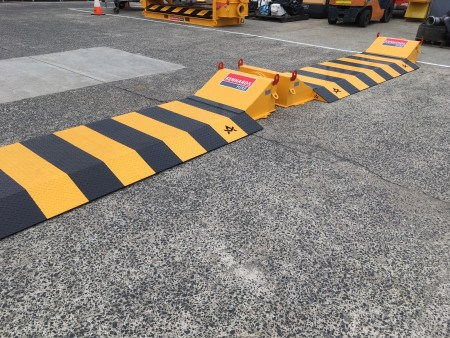 HOSE CROSSOVER ROAD RAMP