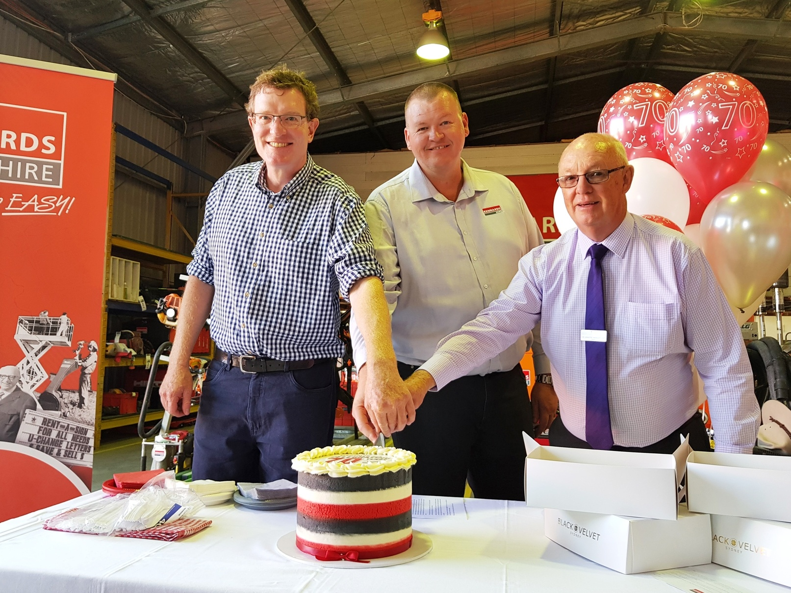 Kennards Hire Bathurst Branch celebrated with staff and local dignitaries and personalities, including Mayor Graeme Hanger OAM, The Hon. Andrew Gee MP, Federal Member for Calare, and Stephen Harper, Secretary of the Bathurst Business Chamber, as they cut a slice of 70th birthday cake in honour of this important milestone.